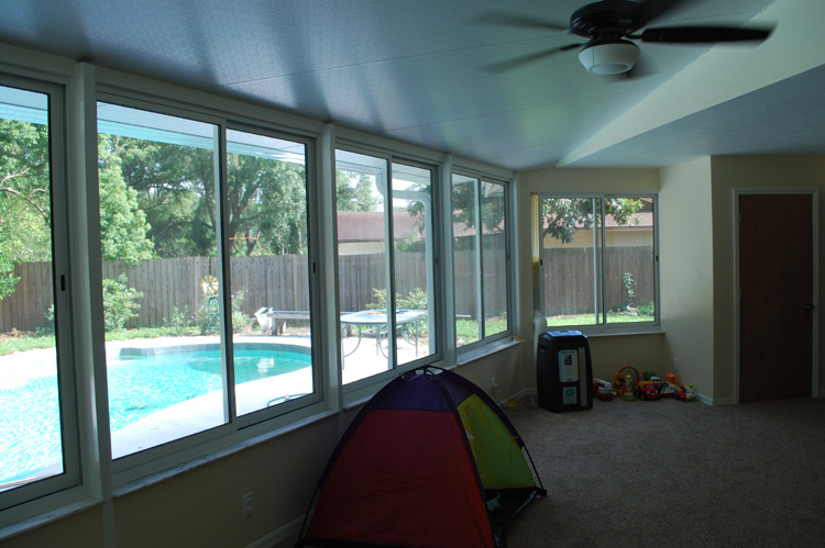 Casselberry sunroom addition with glass windows prager for Large windows for sunroom